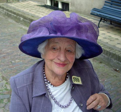 PSHats hoed in Buren